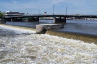 Waterloo-Cedar-River-Dam