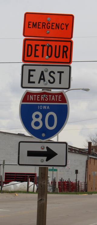 Emergency detour sign
