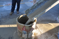 Flowable mortar construction method aims to keep traffic moving
